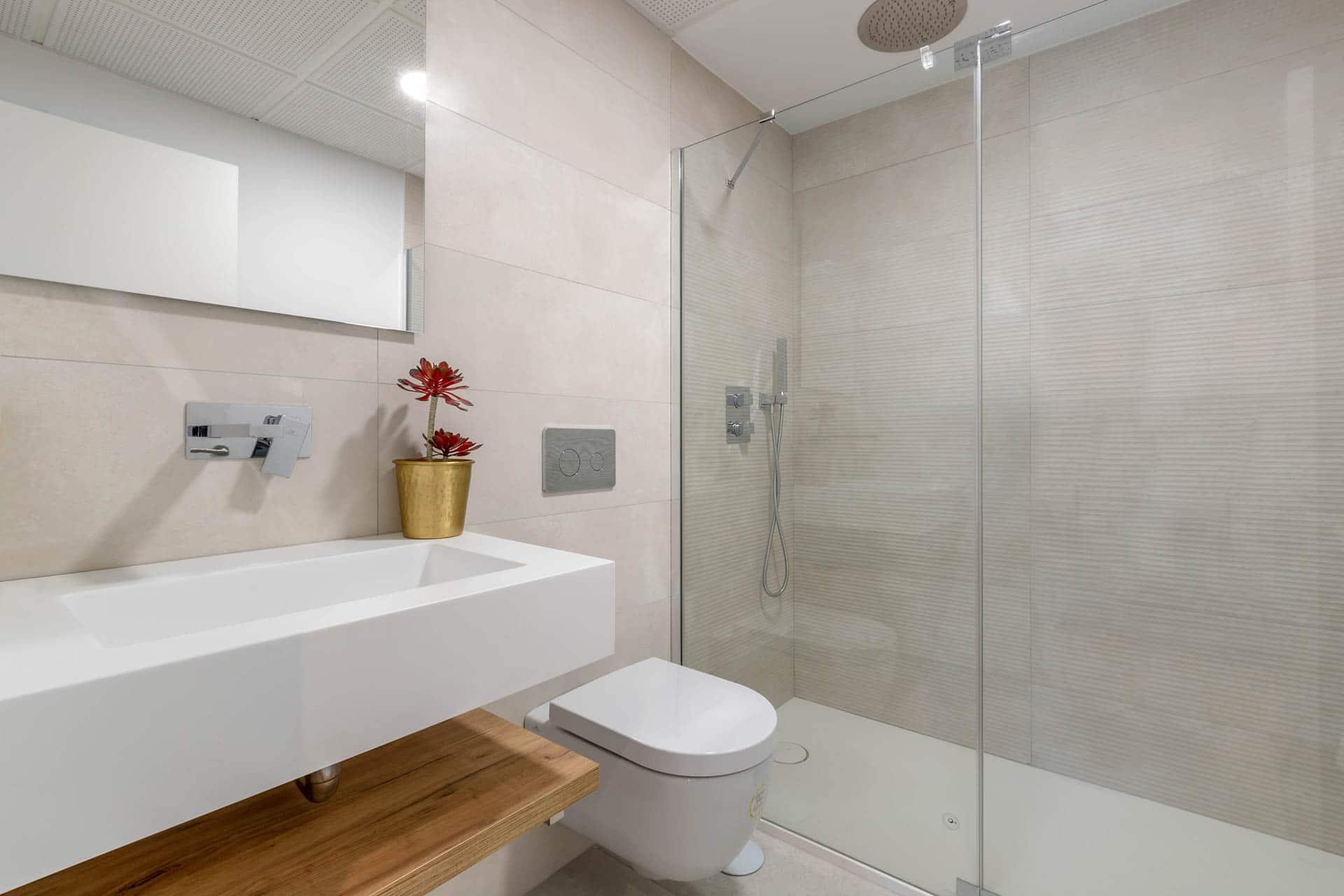 05 - Main Bath - Alborada Homes - Full Res